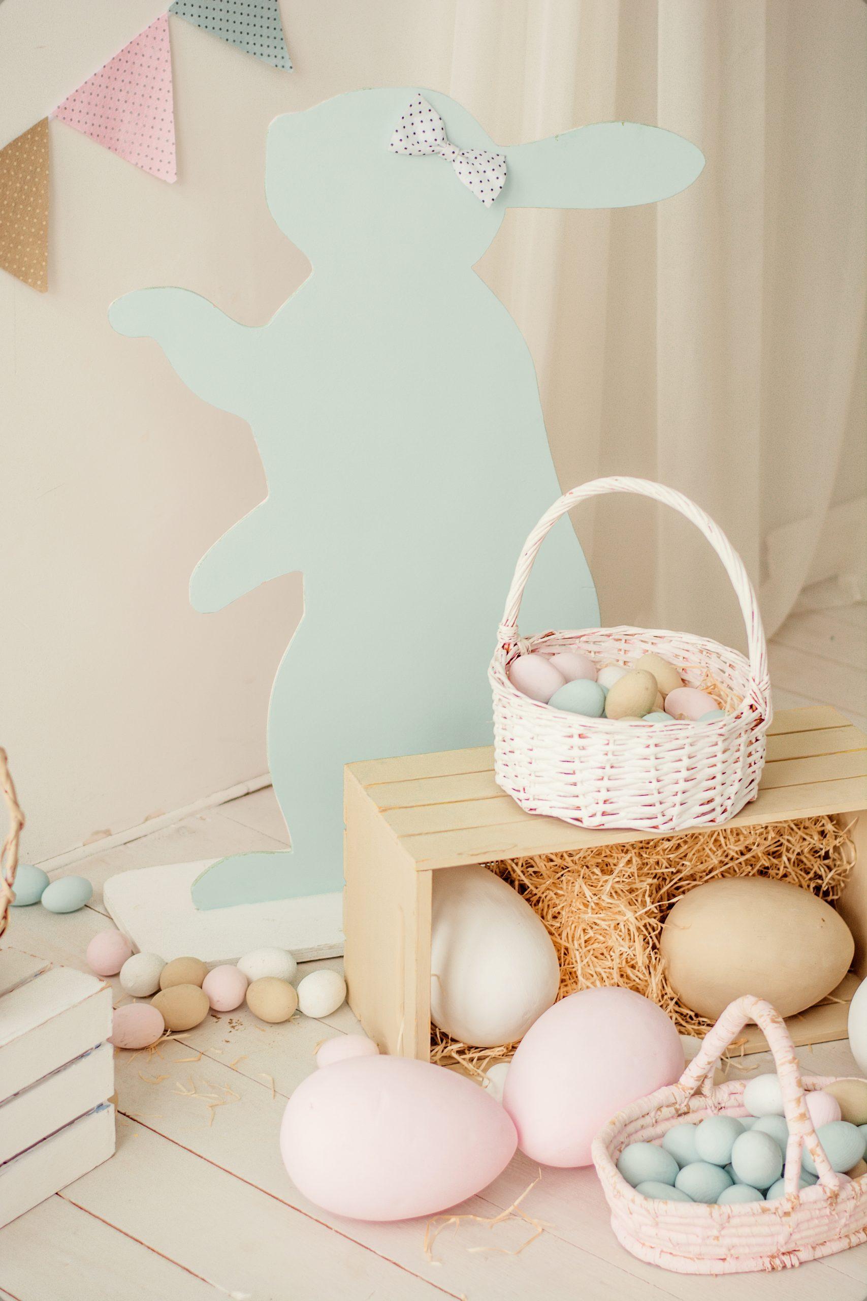 brown egg on brown wooden basket